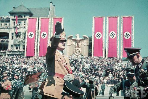 Hitler18
