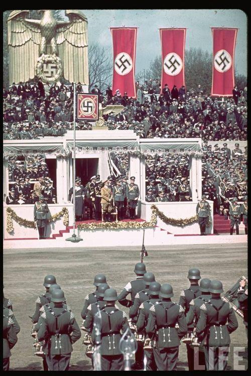 Hitler40