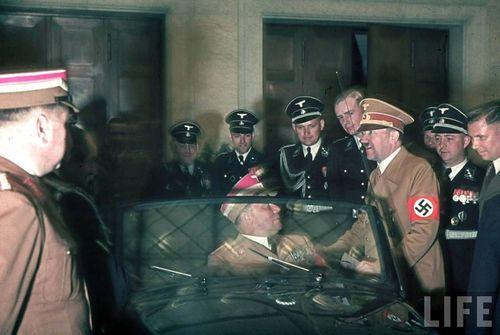 Hitler43