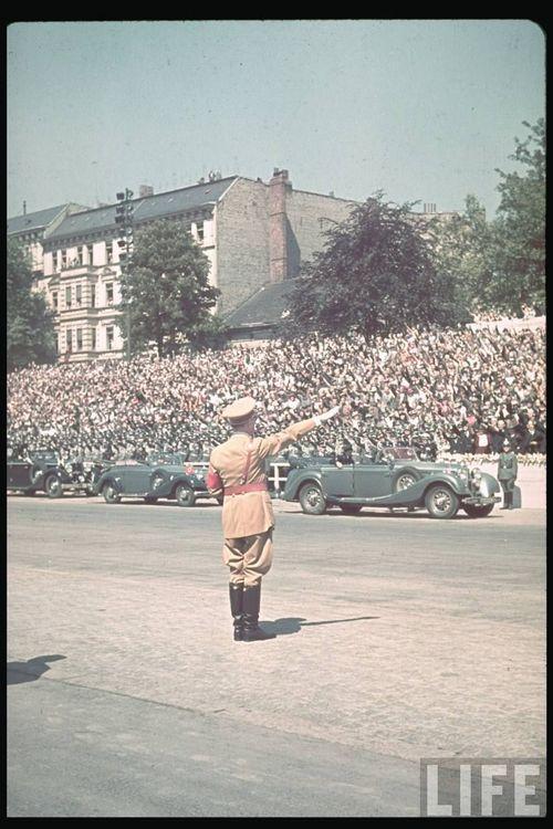 Hitler52