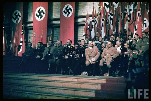 Hitler28