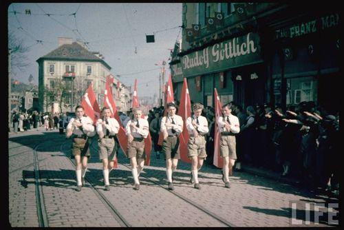 Hitler59