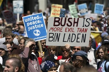 Democrats_anti-war_rally_NY_Image2