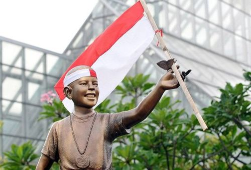 Obama statue indonesia