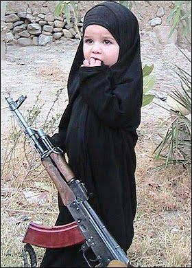 IslamistGirlwithGun