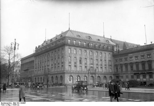 Bundesarchiv_Bild_102-13848F,_Berlin,_Hotel_Adlon