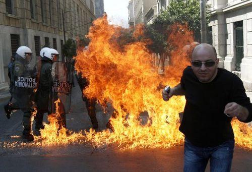 Police burning1