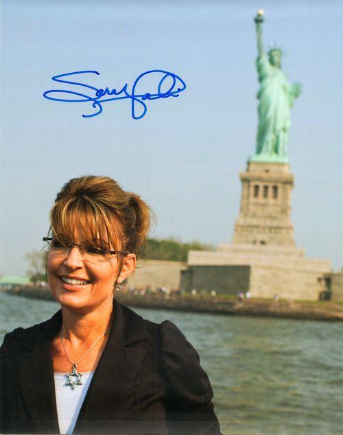 Palin Statue