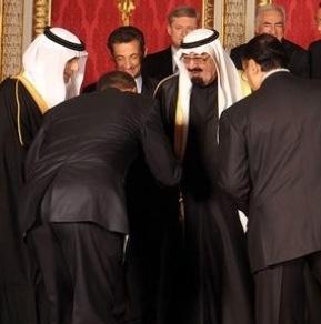 Obama.bow.king