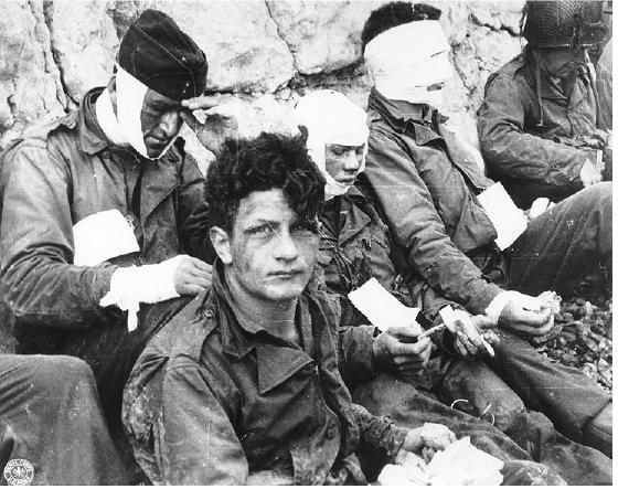 D-Day_Omaha_beach_wounded
