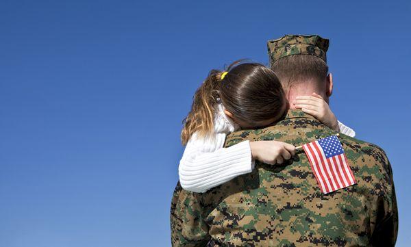 Hug-a-soldier-4x6-100dpi