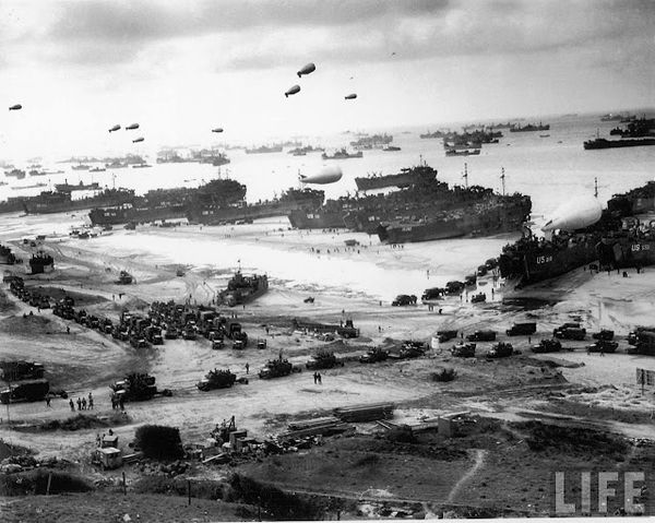 D-Day_Omaha_Beach_LIFE