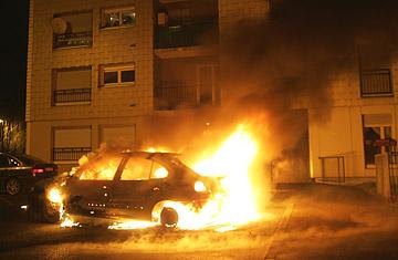 Burning_cars_0102