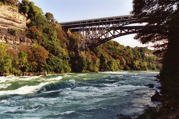 Whirlpool_Rapids_Bridge_4914c13fa1595