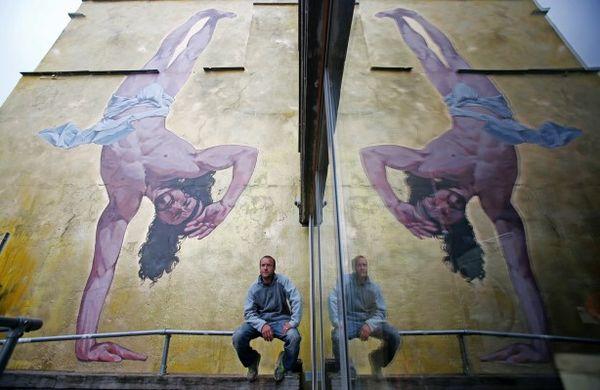 Jesus-breakdancing-mural-MWN-614x399