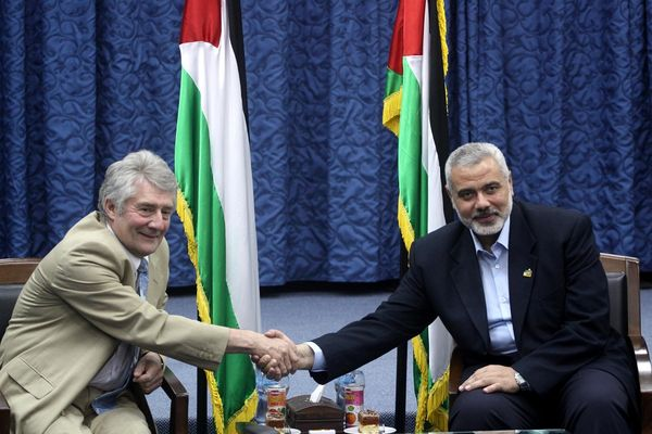 Labour-MP-Tony-Lloyd-shares-a-happy-moment-with-Ismail-Haniyeh-of-Hamas