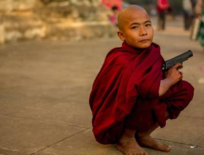Myanmar-monk